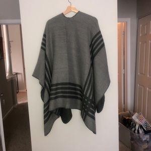 BB Dakota Sweaters - BB DAKOTA X FAB FIT FUN PONCHO